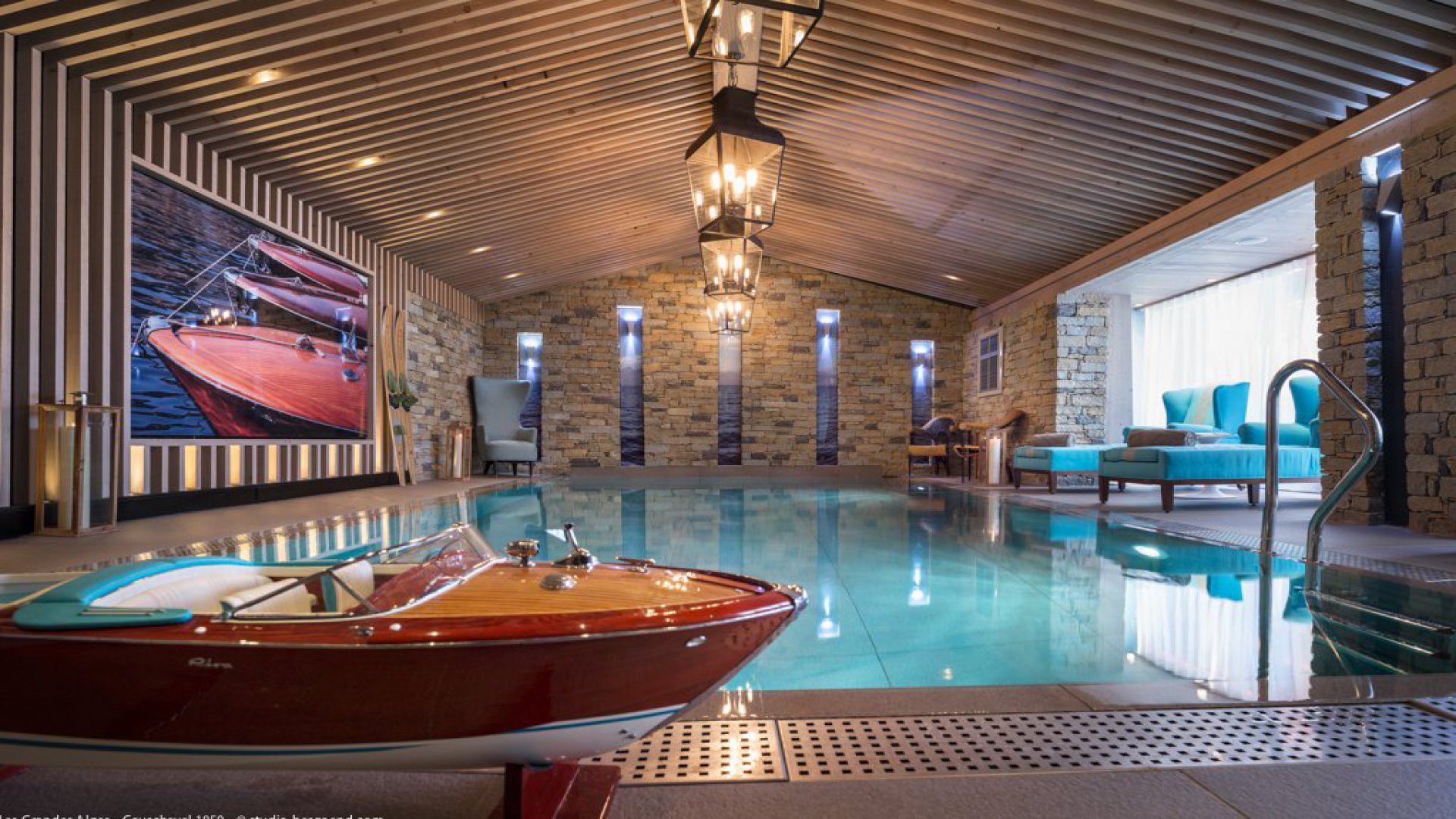 Courchevel chalet apartment rentals for Chalet a la montagne avec piscine