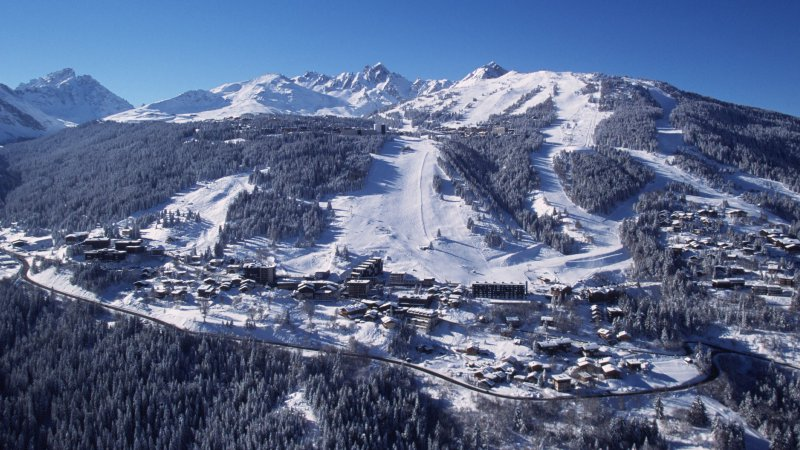 Courchevel chalet apartment rentals - Office tourisme courchevel 1650 ...