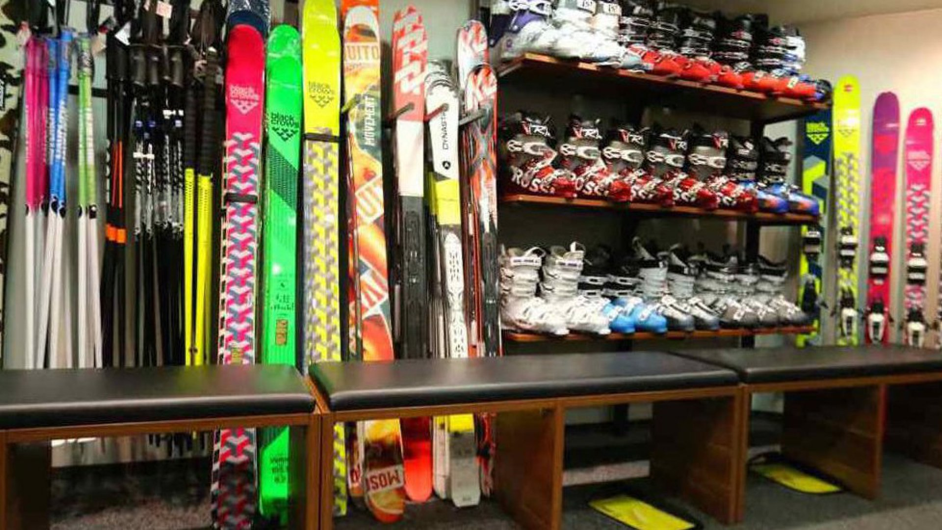 Win A Free Pair Of Skis!! - Book With Us Before 30th November